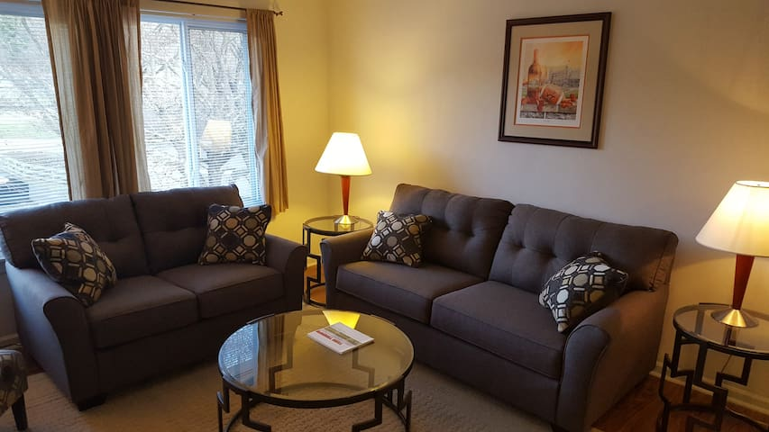 Hokie Home - 3 bedroom condo with all you need!
