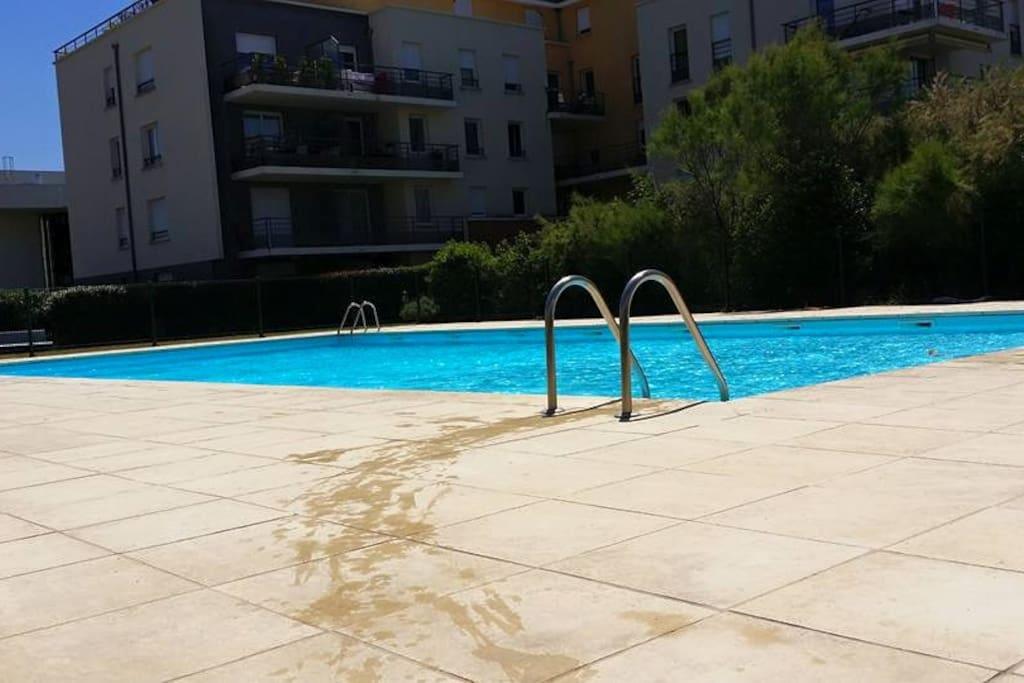 Appartement residence piscine condos zur miete in for Piscine de cournon