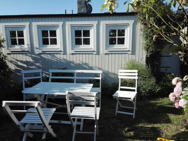 Cosy charming garden sea house CPH Airport Malmö