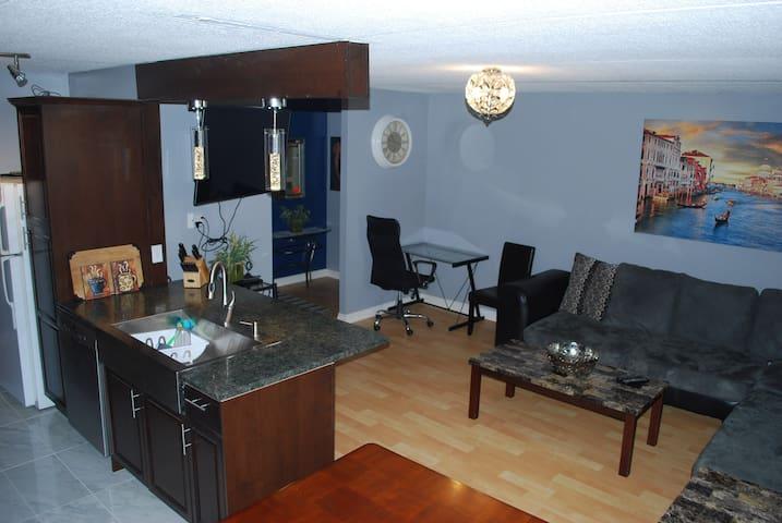 Modern Apartment South Regina