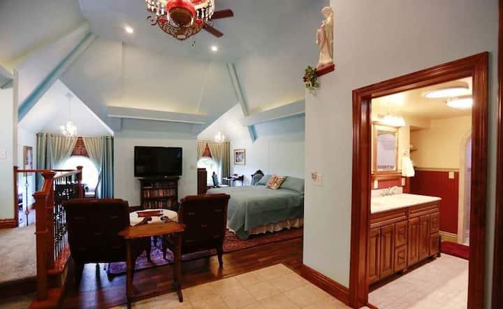 A.C. Thomas House - Loft Suite