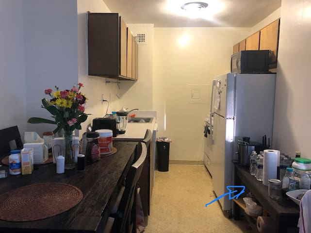 1 bedroom in a 2 bedroom apartment