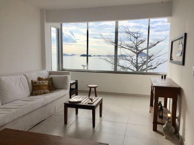Beautiful Ocean View Beach House/Apt in Vidigal