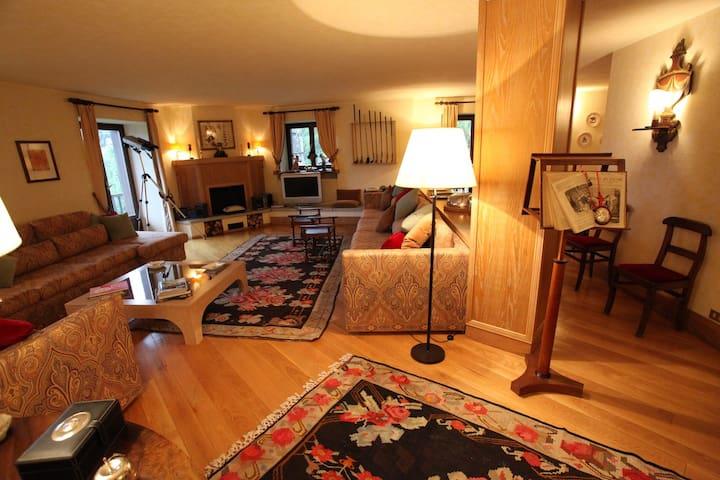 appartamento di grande fascino - Courmayeur - Condominio