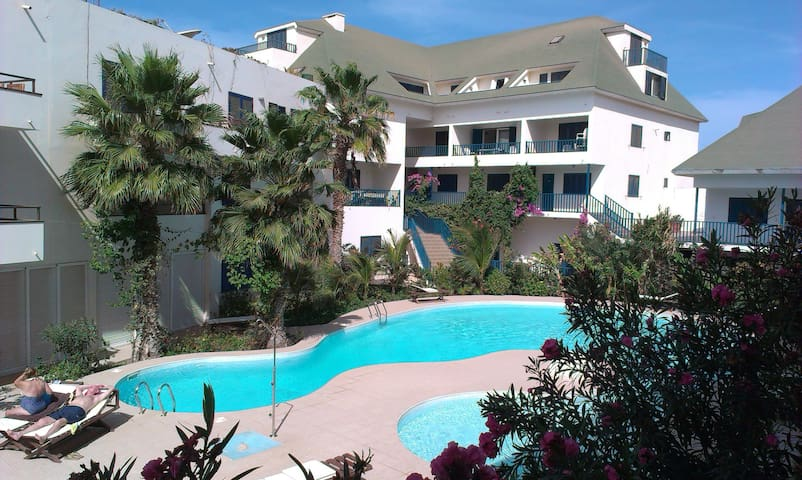 Nice Apartment in Leme Bedje, Terrace, Pool, Wifi
