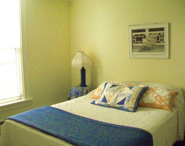 Vinalhaven Private Room Sleeps 2 - Vinalhaven - House