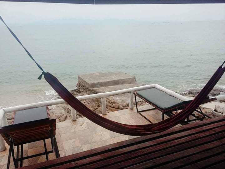 Beach Front Bungalow(Sea View)'Koh Chang Ranong'