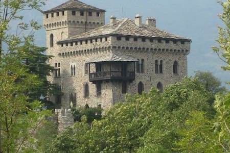 Castello di Montestrutto - Settimo Vittone - Hrad