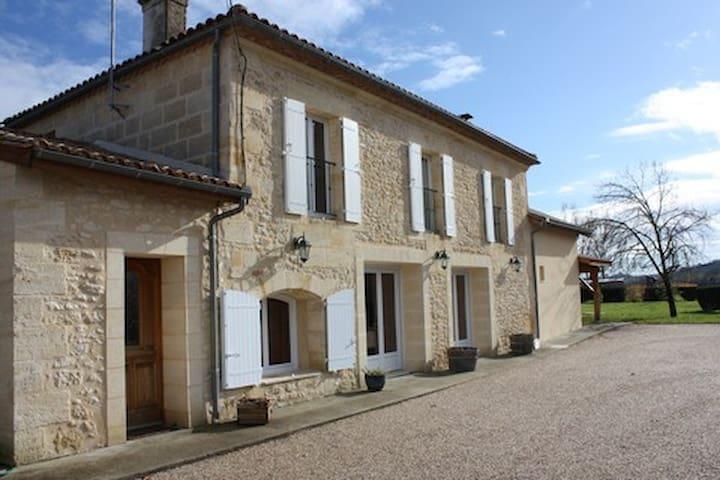 Maison en pierre près Saint Emilion  Bordeaux - Saint-Pey-de-Castets - Talo