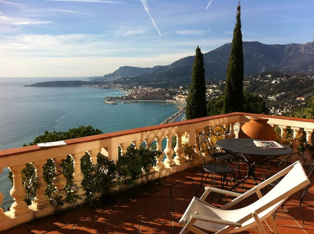 Romantic mediterranean retreat - Ventimiglia - Huoneisto