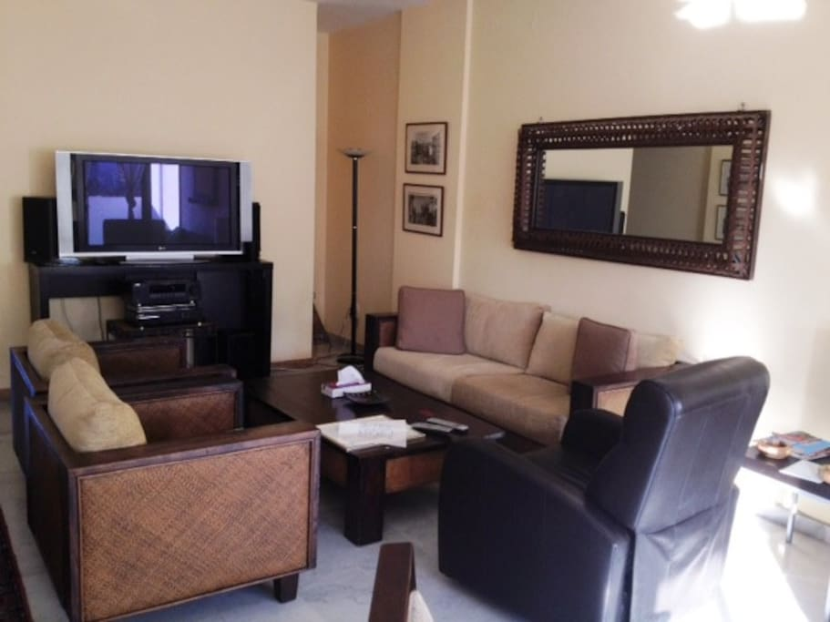 Flat screen 50 inch TV,with surround system5 speakers tannoy,&,DVD player