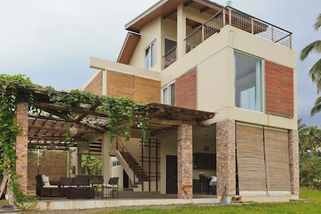 BEACON HOUSE - 3 BR House in Sinagtala Farm Bataan - Orani - บ้าน