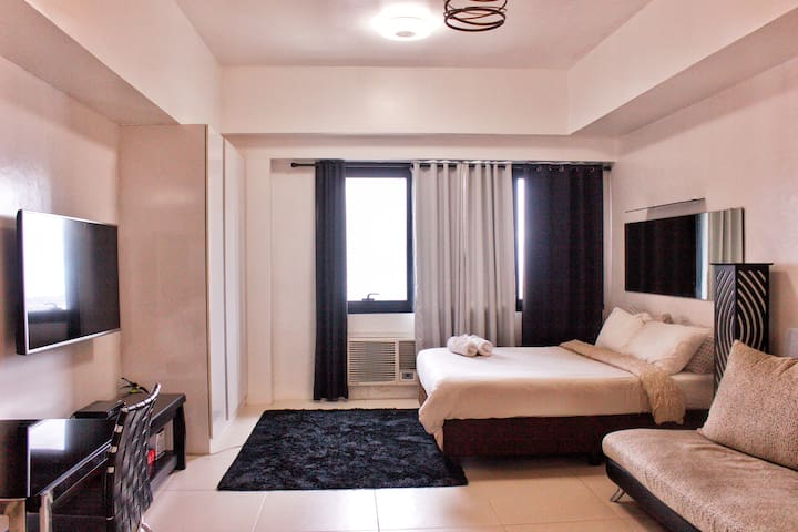 ★StayHere★ Icon Plaza BGC Studio (Minimum 1 month)