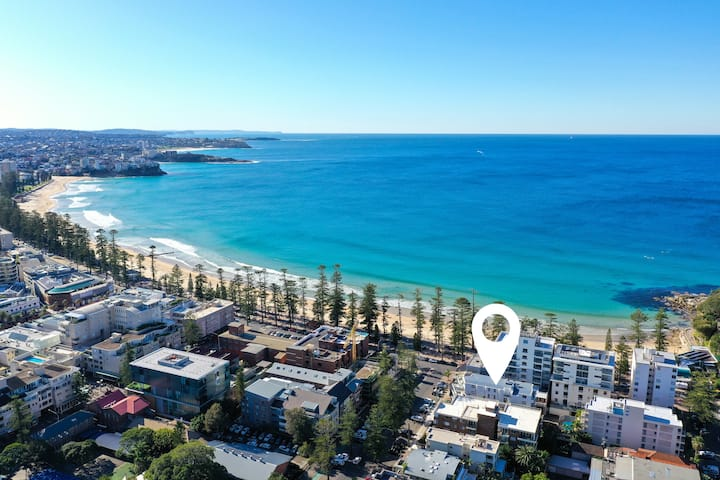 Brand new Luxury 30 second walk to Manly Beach