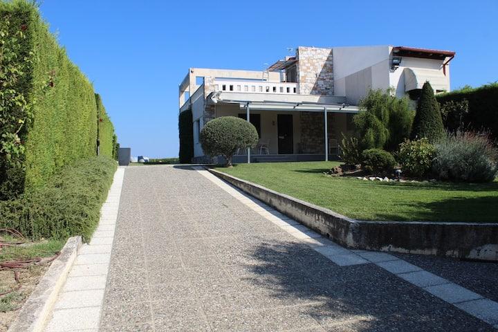Elikon Methoni house