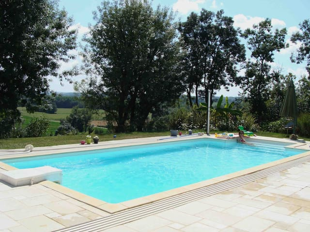 Nice house with a swimming pool - Fleurance