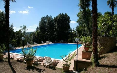 parcela de casa de fazenda rural com piscina