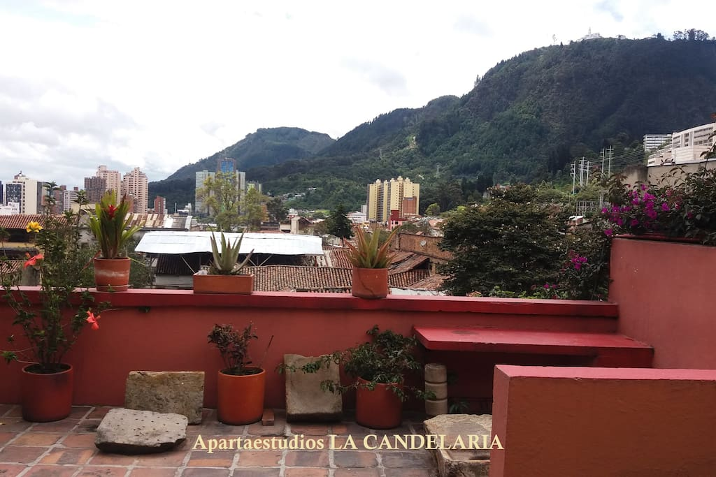 Comun terrace with view of Monserrate