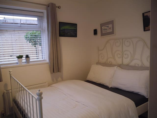 Ground Floor Private Room with bathroom, Chester