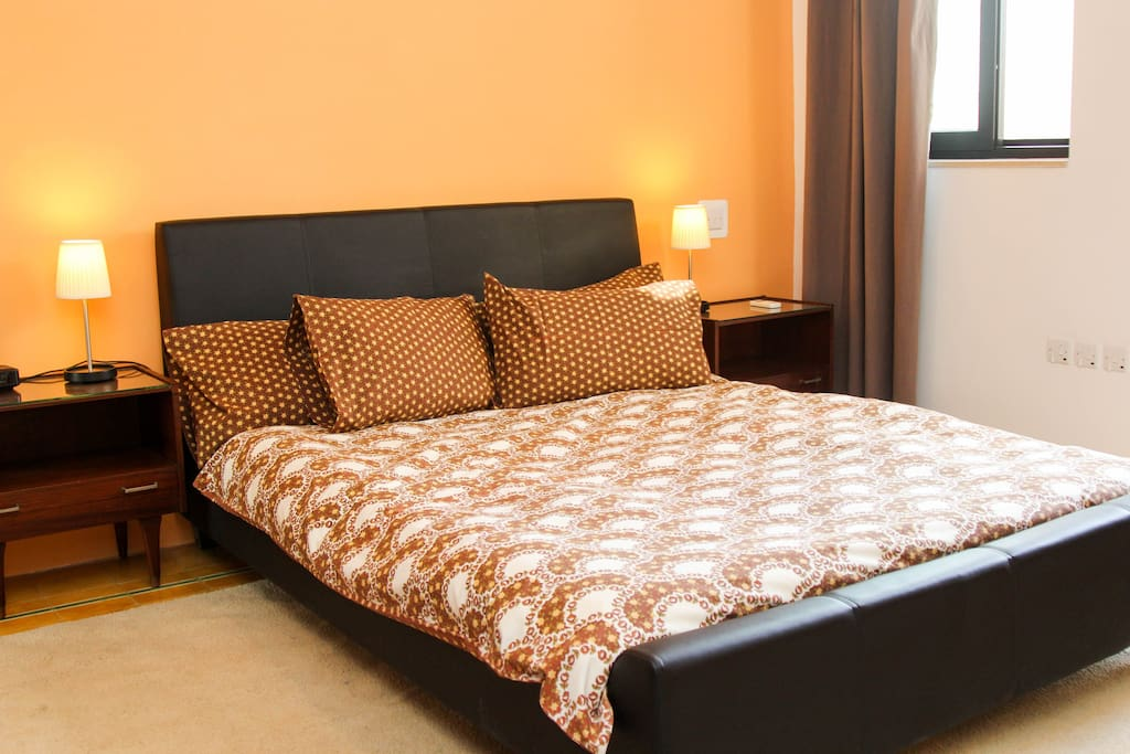 spacious, bright, airy triple bedroom with private roof and en-suite shower and toilet
