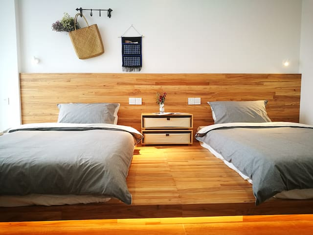 Bedroom with two beds | 日式榻榻米双人房
