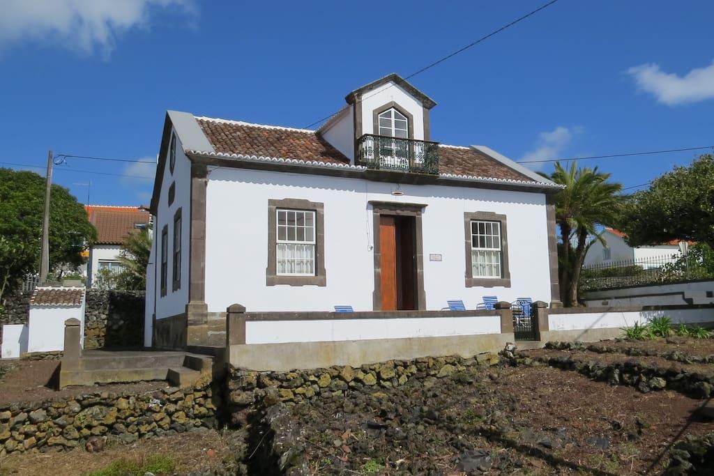 Casa da palmeira cottage in affitto a porto martins for Piccola casa colonica