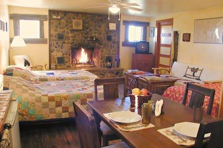 Rt 66 JX Ranch Bunkhouse Longhorn R - Tucumcari