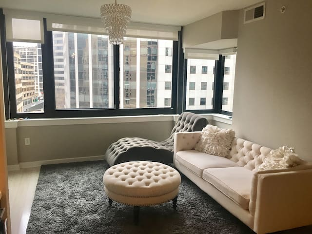 Experience DC: Luxury Queen One Bed - Arlington - Apartmen