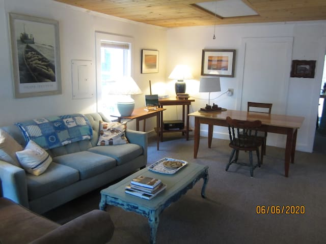 Cozy Mt. Battie Cottage in Camden, Maine