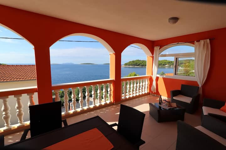 Holiday Home Adriatic View - Three Bedroom Apartment with Terrace and Sea View