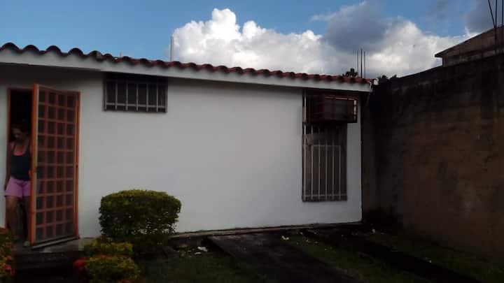 Casa blanca acogedora y muy agradable