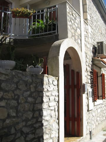 Beautiful Stone Villa  near the sea - Zadar - Huis