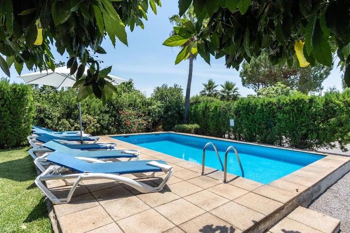 Maison de vacances Rosa avec vue sur la montagne, piscine, Wi-Fi, jardin et terrasse ; parking disponible