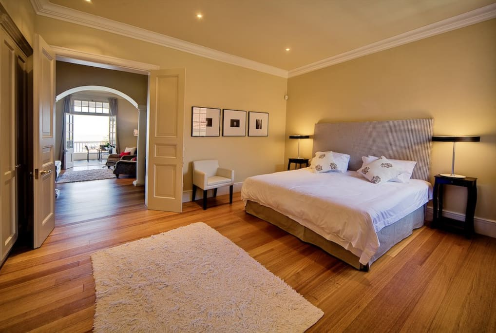 Spacious Main bedroom with full en-suite