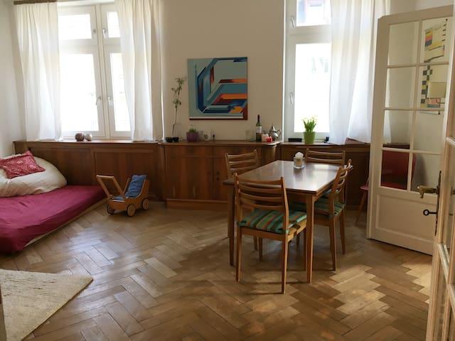 kinderfreundliche Altbauwohnung in der Wiehre - Freiburg im Breisgau - Lägenhet