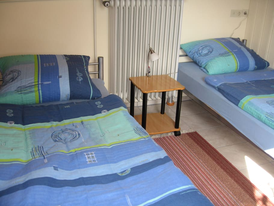 als Einzelbetten 1x2 m,  as single beds 1 x 2 m