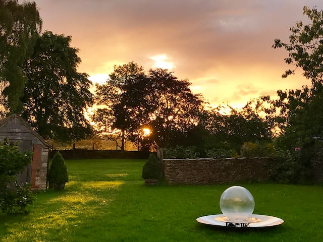 Garden Cottage, Shipton Moyne