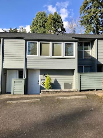 Loft Style Condo in SW Portland