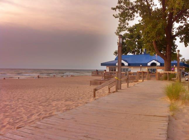 Weko Beach - 5 minute drive away.