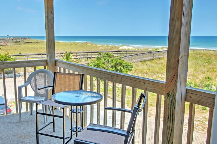 Oceanfront Carolina Beach Condo - 1 Mile To Pier!