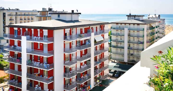apt for 4+1 persons with a/c in Bibione R26274