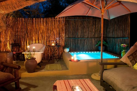 Manzini Swazi King Chalets - Marloth Park - Bungalo