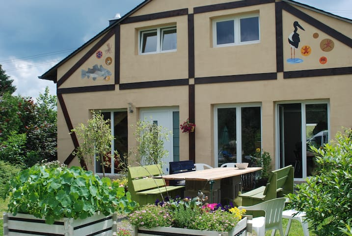 Bed & Breakfast Connies art house - Bollenbach - Bed & Breakfast