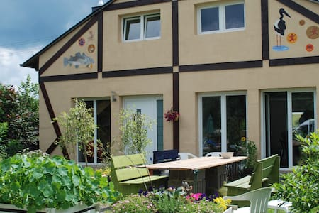 Bed and Breakfast CONNIES ART HOUSE - Bollenbach