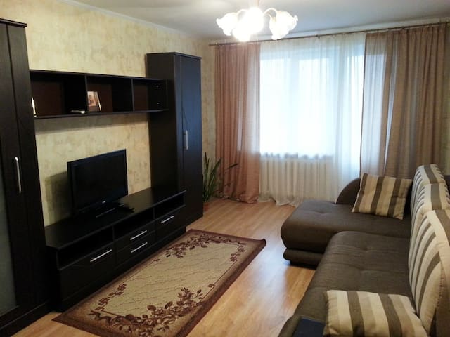 Очень любим гостей) - Tomsk - Apartment