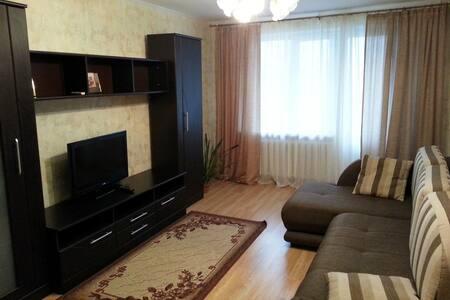Очень любим гостей) - Tomsk - Wohnung