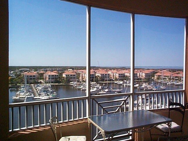 Spectacular Gated/ Marina and harbor view condo