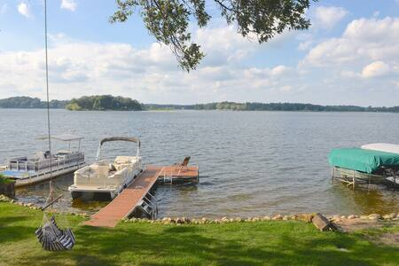 Panoramic Waterfront Retreat on Crooked Lake - Delton