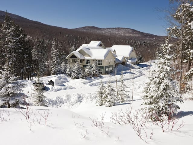 Three Bedroom Deluxe in Vermont, Smugglers Notch (A516)