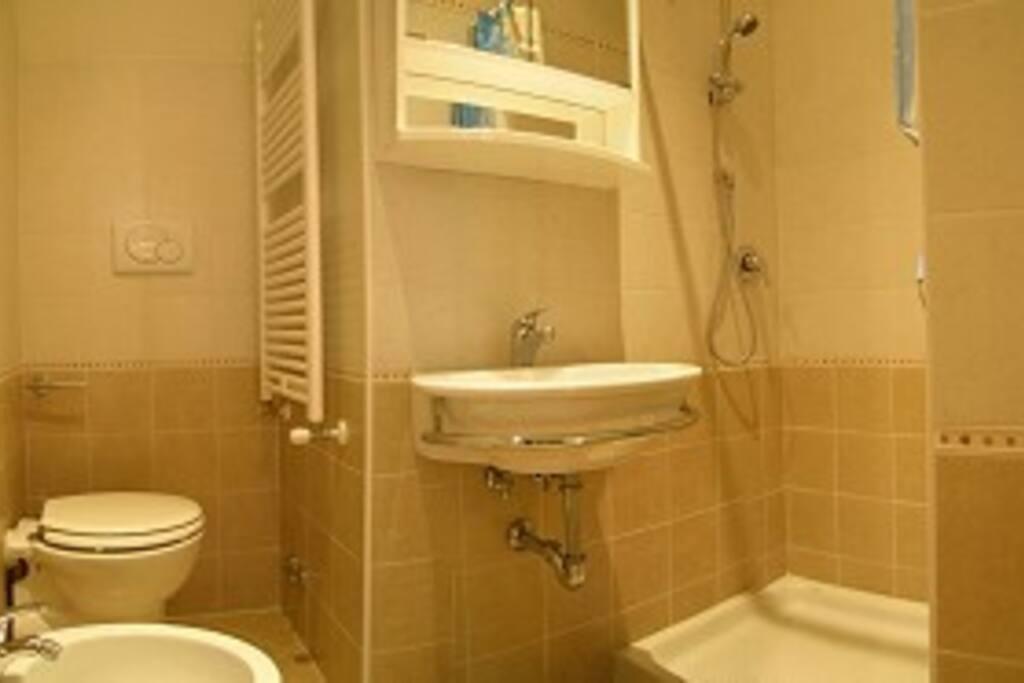 Bathroom n°1